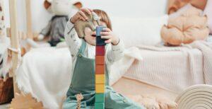 Kind autisme speelt